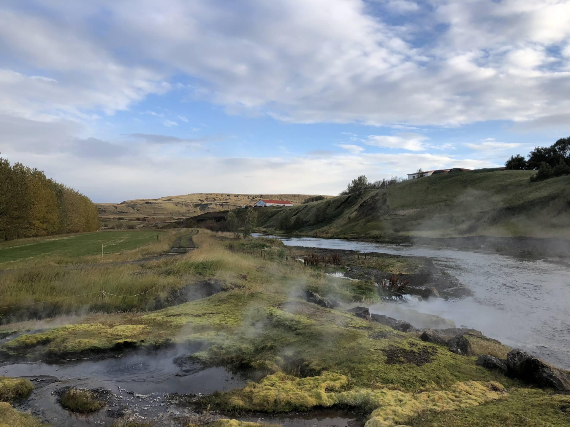 secret lagoon fludir islande