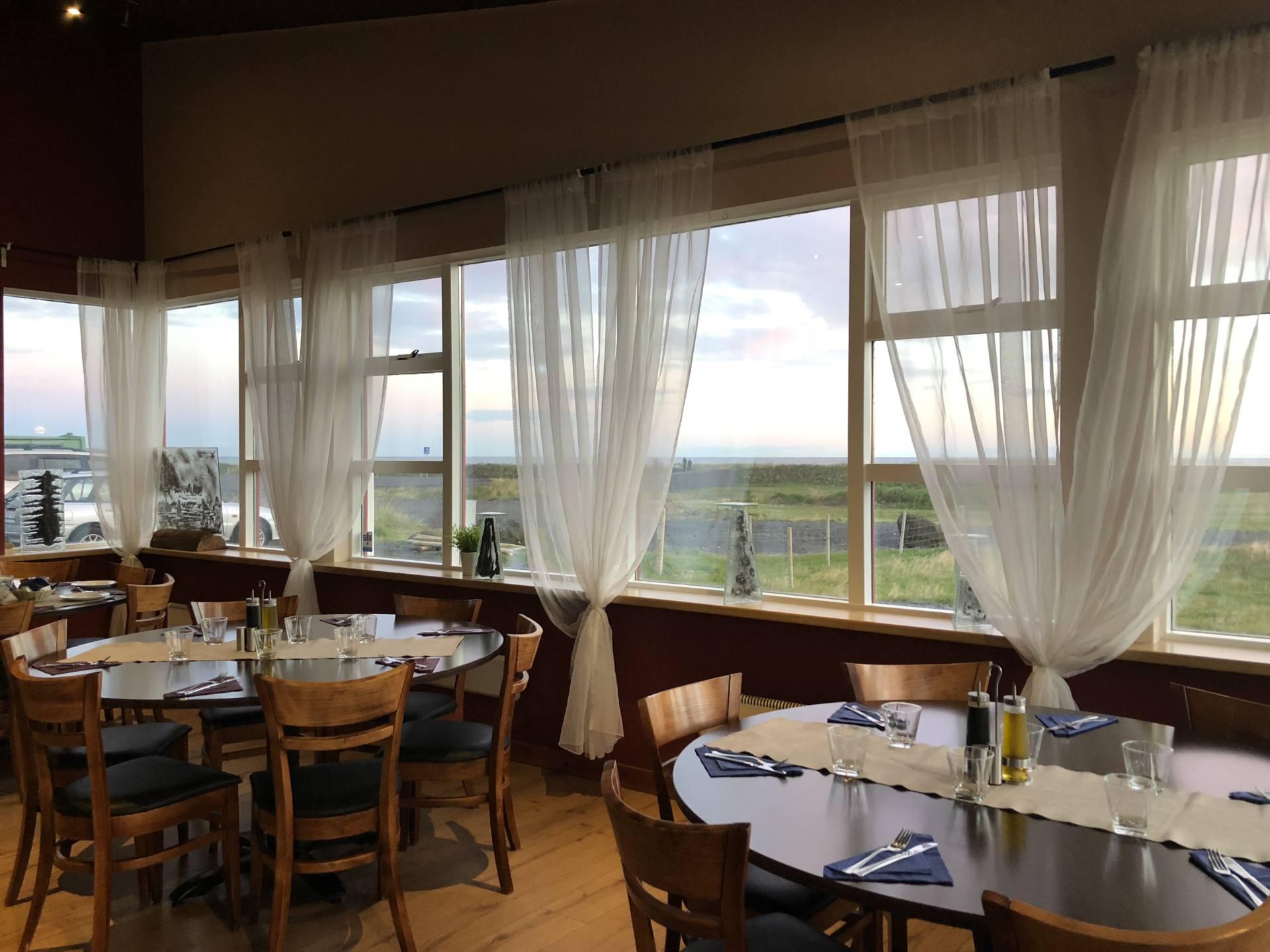 strondin restaurant vik islande