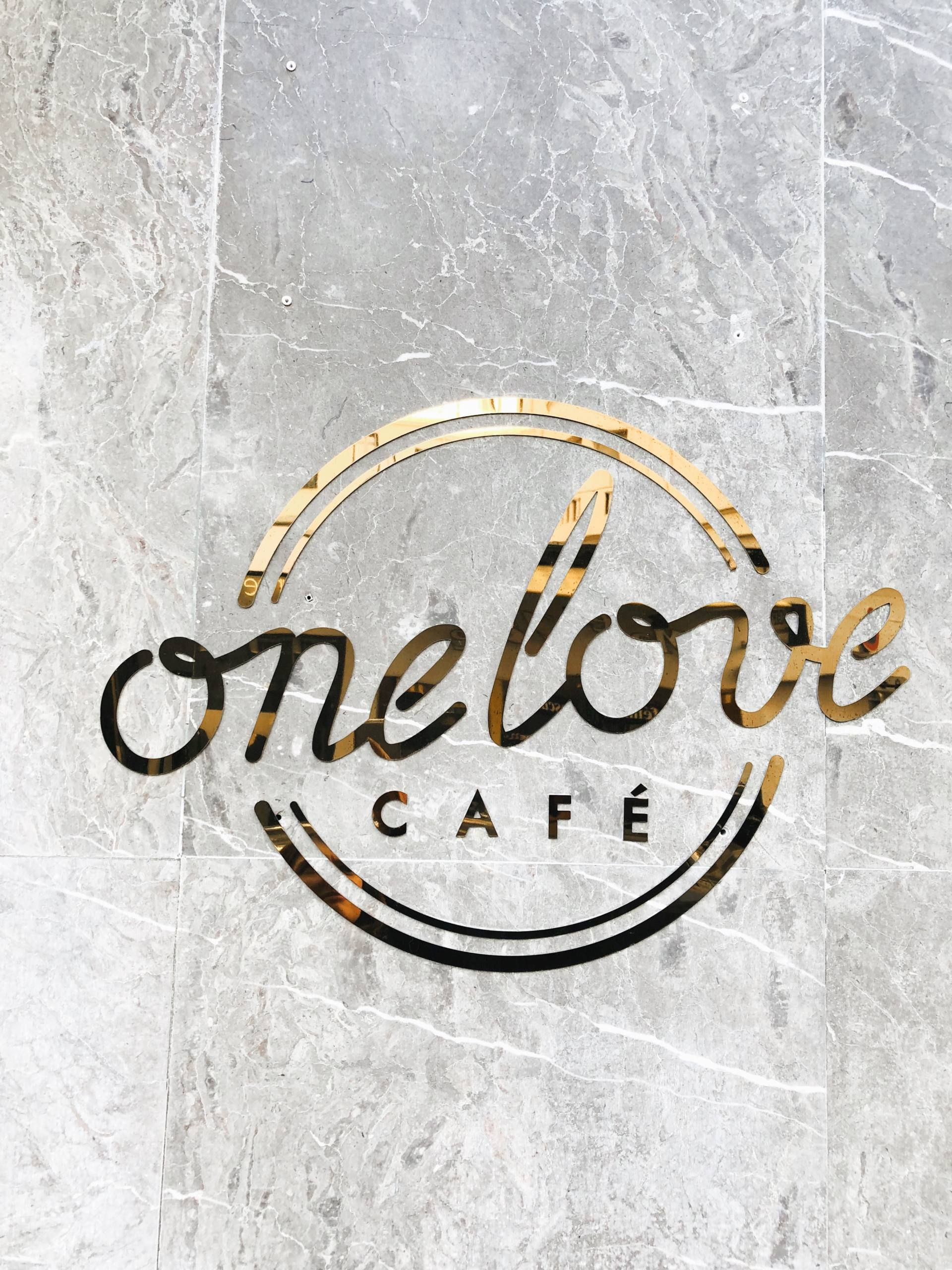 one love café restaurant nice